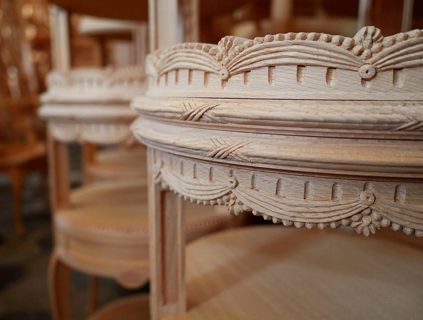 hand carved french Louis XVI table | P.& G. Cugini Lanzani